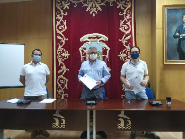 Firma convenio Ayuntamiento de Puente Genil